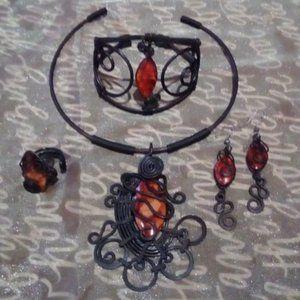 Bague, bracelet ,boucle d'oreilles et colier